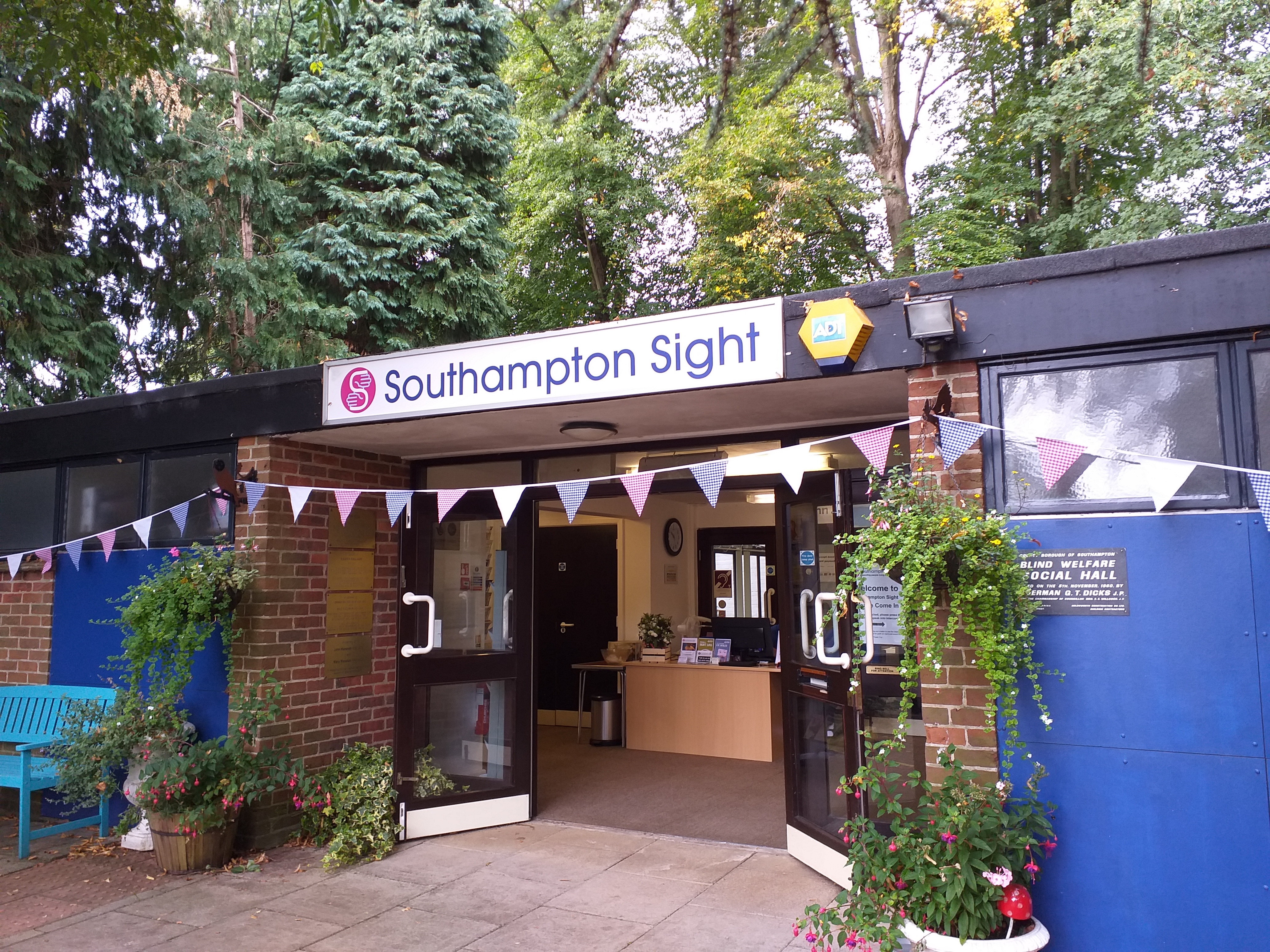 Southampton Sight Entrance